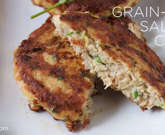 Easy Recipe: Grain-Free Salmon Cakes
