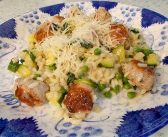 Chicken sausage, pea & courgette risotto - fresh and tasty!