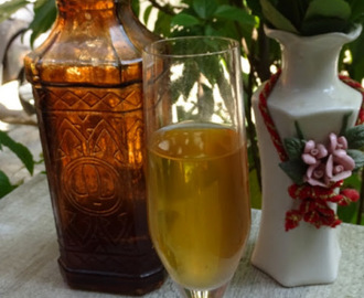 Homemade Pineapple Wine/Pineapple Peel Wine Recipe