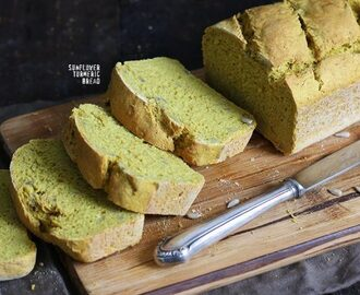 Easy Sunflower Turmeric Bread