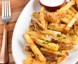 Garlic Parmesan Fries with Ranch Dressing