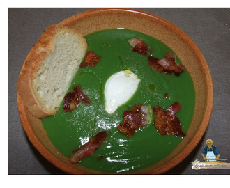 CREMA DI BROCCOLI CON BACON E PANNA ACIDA