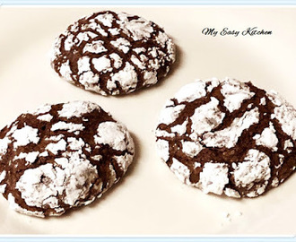 My Easy Kitchen: Chocolate Crinkle Cookies