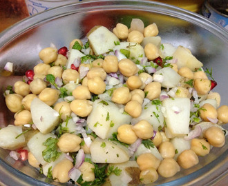 Qabuli Aloo Chaat | Chickpeas Potato spicy salad