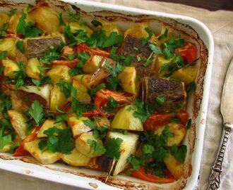 Cod in the oven with tomato and potatoes | Food From Portugal