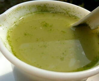 ENERGETIC DRUMSTICK  GREEN SOUP