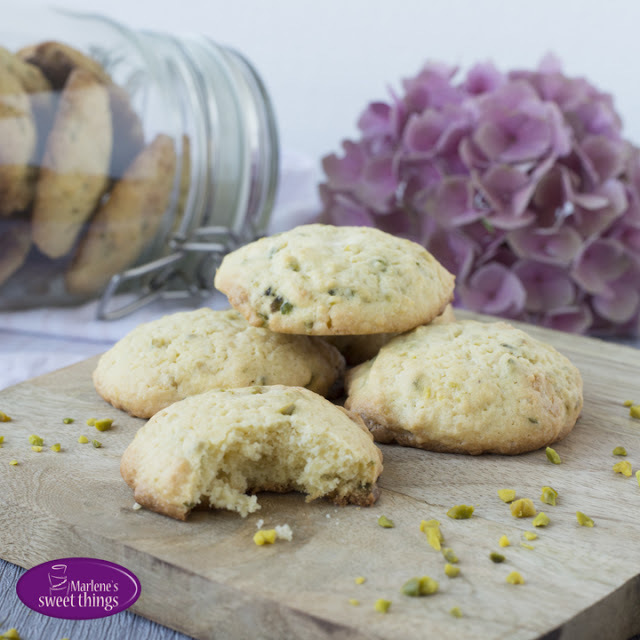 White Chocolate - Pistache Cookies