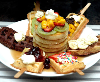 Pancakes, Waffles and Rustic Mornings at Holiday Inn & Suites Makati's Flavors Restaurant