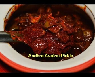 Andhra Style Avakkai Pickle / Avakkaya pickle recipe / Avakkai Mangai Urugai / Mango Pickle recipe