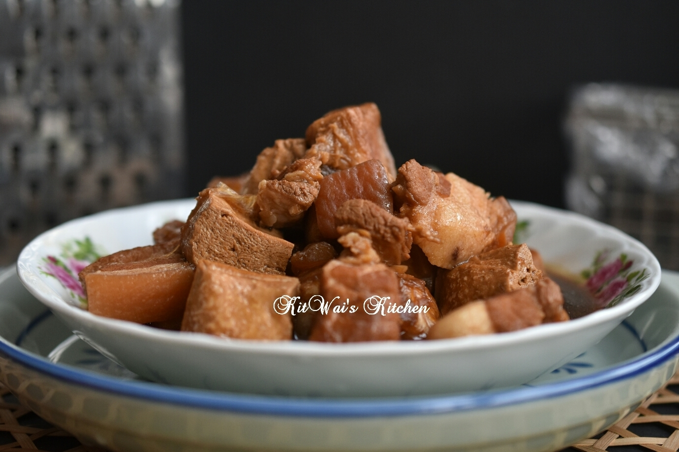冬瓜花肉焖老豆腐 ~ Old Bean Curd Simmered with Winter Melon and Pork Belly