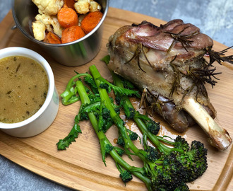 Nate's Roast Leg of Lamb with Champagne Gravy Recipe