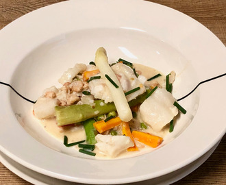Fish stew with green and white asparagus – surprising recipes