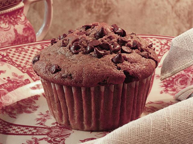 saftiga chokladmuffins med chokladbitar
