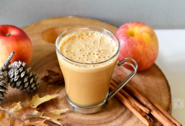 Caramel apple pie latte