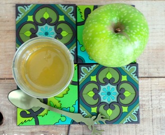 Gelée de pommes vertes (Granny Smith) (Green apple jelly jam)