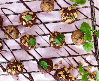 Chocolate chip cookie dough truffles | GoGreen