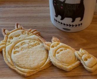 Recette de base pour biscuits de Noël...version Kawaii...Totoro! - littleprinceleblog.com