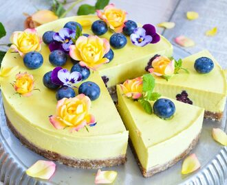 Mango vegan cheesecake