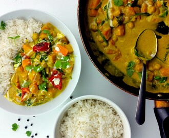 Vegetarian Curry with Fluffy Rice