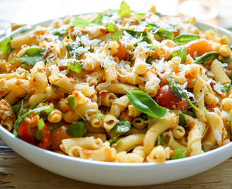 Sun-Dried Tomato Pesto Pasta Salad