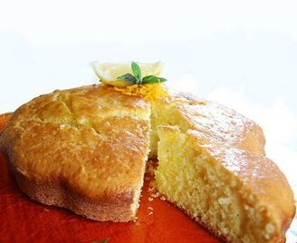 Torta soffice (con yogurt) caramellata (all'arancia)
