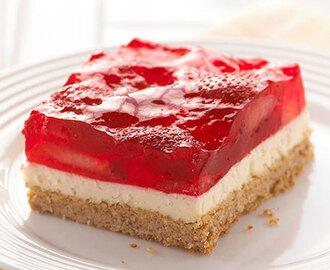 Strawberry-Pretzel Salad Dessert Squares