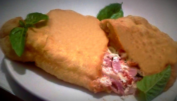 Calzone fritto (a' pizza fritt)
