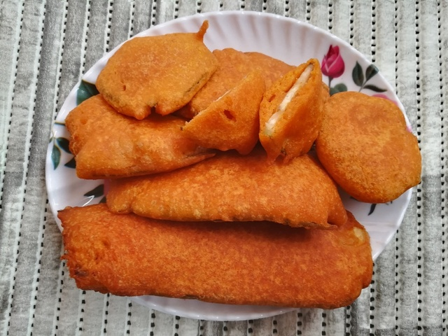 Vazhakkai Bajji Recipe, how to make bajji, Plantain Fritters, raw banana bajji