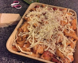 Cheesy Chicken and Chorizo Pasta Bake