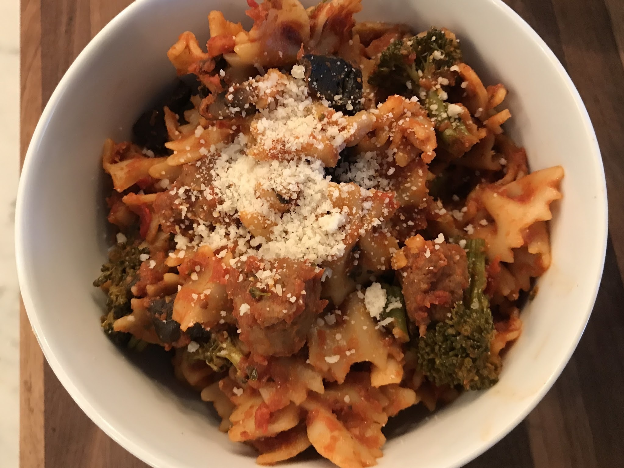 Slow Cooker Sunday: Spicy Sausage w/Farfalle, Broccolini & Mushrooms