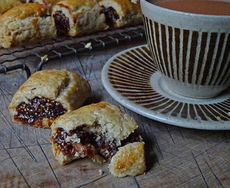 Cakes & Bakes: Fig rolls