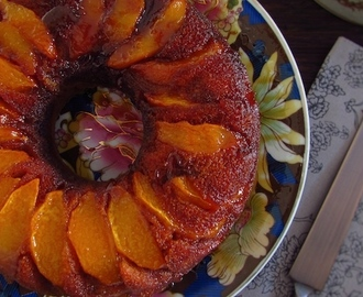 Coffee cake with caramelized peach | Food From Portugal
