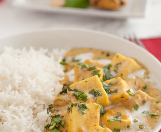 Vegetarian Curry with Yogurt, Paneer & Mango Pickles { Achari Paneer Masala }