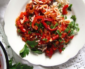 Hungarian Pepper and Tomato Stew – Vegan Lecso Recipe