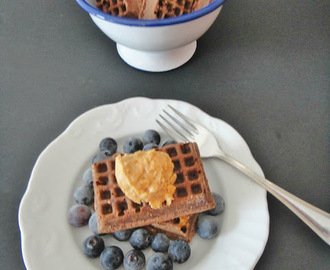 Mini waffles com sabor a brownie