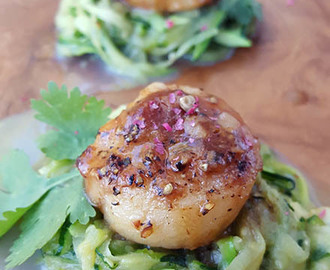 Keto Paleo Scallops with Garlic Butter Sauce