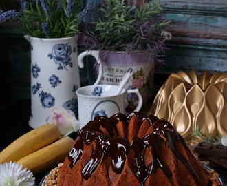 Bundt Cake de plátano con nueces y chocolate
