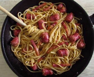 Spaghetti with fresh sausage and bacon | Food From Portugal