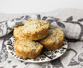 Bread Muffins with Garlic & Herbs
