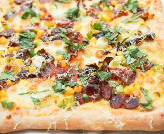Bacon corn pizza