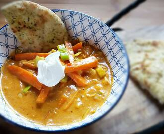 Milde curry met naanbrood