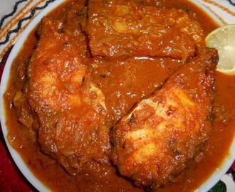 Rui  Macher  Kalia / Spicy  Rohu  Fish  Curry