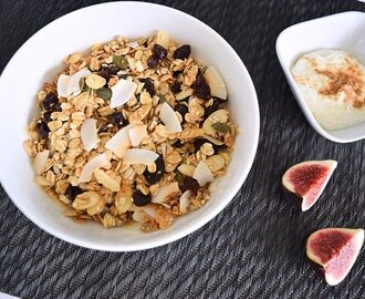 Easy granola with coconut