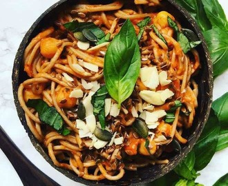 Tomato Basil Garlic Chickpea Noodles