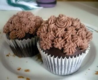 Eggless & Nutless Chocolate Cupcakes