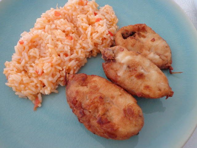 Red fish frito com arroz de tomate