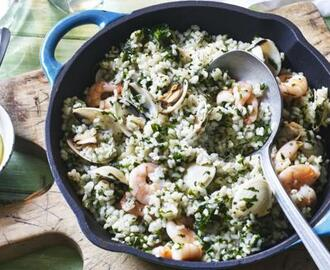 Rice with clams, prawns and aioli