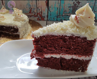 Eggless Red Velvet Cake / Red Velvet Cake with Buttercream Frosting