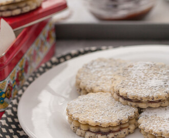 Poppy Seed & Marzipan Sandwich Cookies with Plum Jam | A German Christmas Recipe