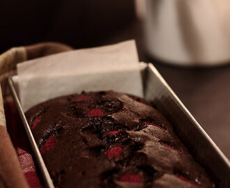 ♥ Bizcocho de cacao con frambuesas / Chocolate Cake with Raspberries ♥